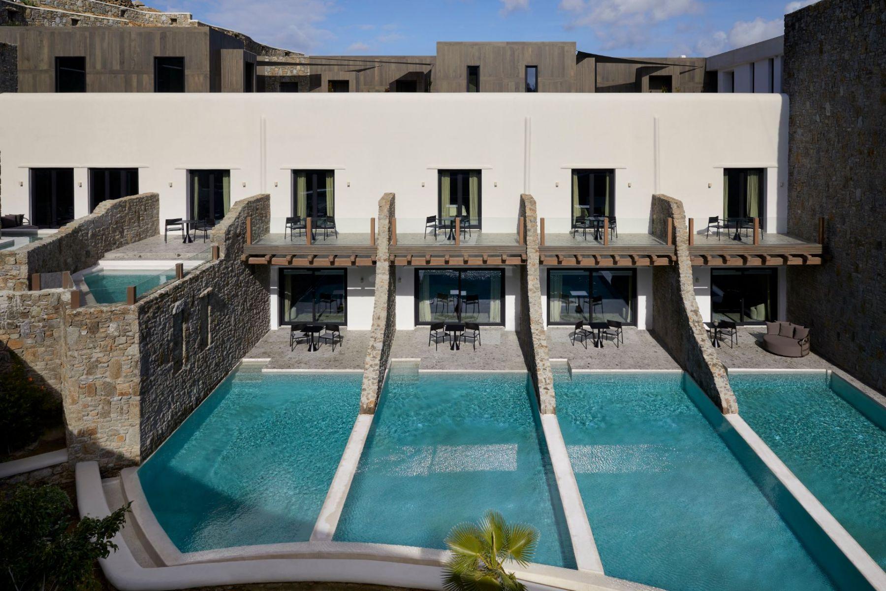 1_19_Aeonic-Suites-Spa-Luxury-Hotel-Mykonos-110