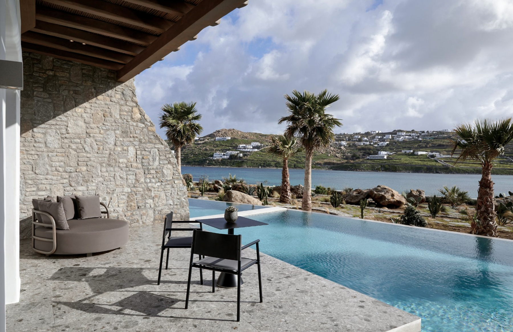 1_20_Aeonic-Suites-Spa-Luxury-Hotel-Mykonos-100