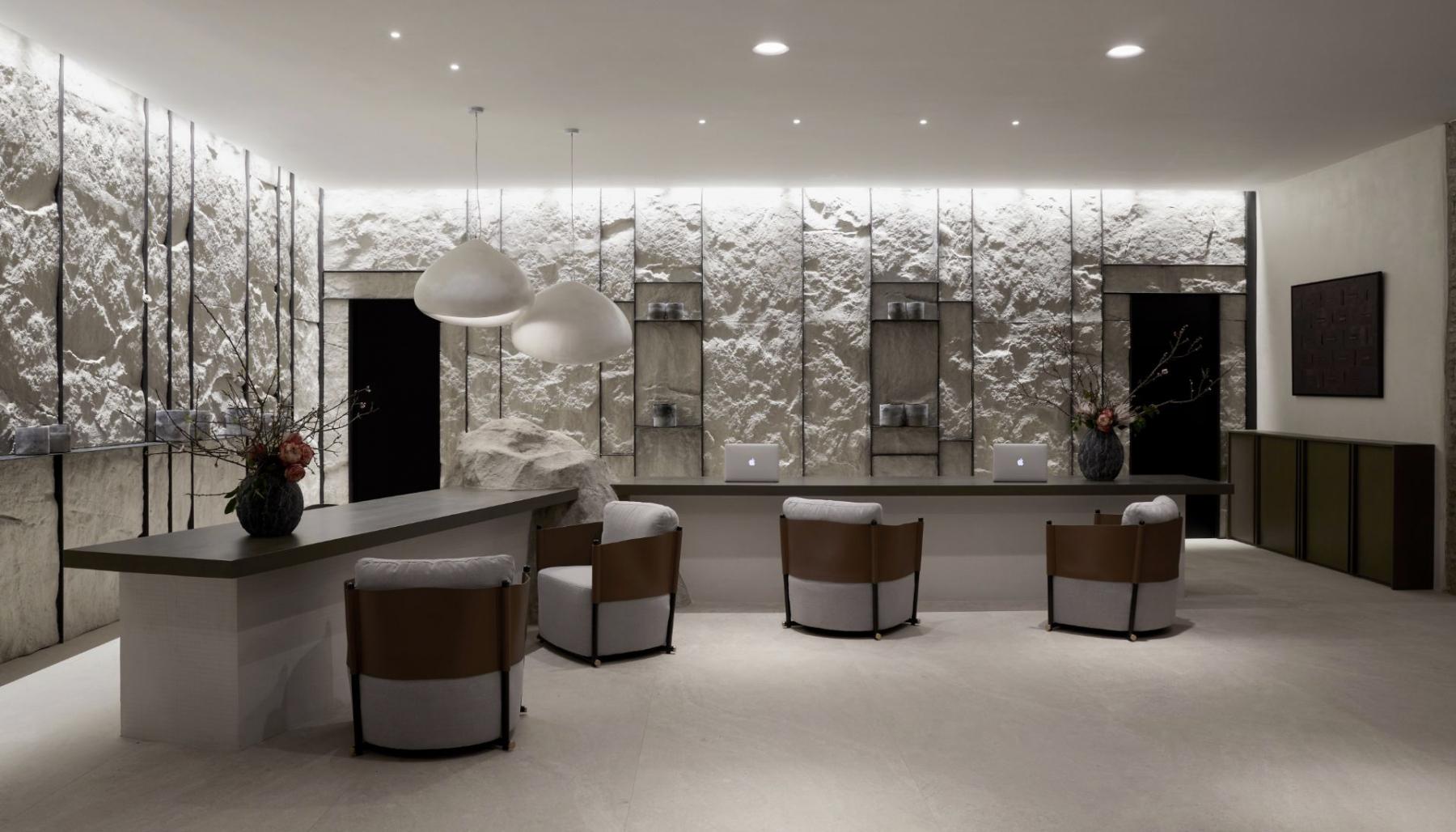 1_2_Hall-Aeonic-Suites-Spa-Luxury-Hotel-Mykonos-98